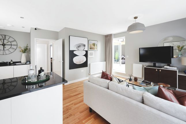 1 bedroom flat for sale in Greenwich High Road, London