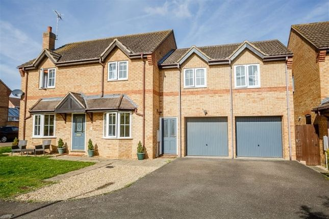 Thumbnail Property to rent in Walcot Close, Oundle, Peterborough
