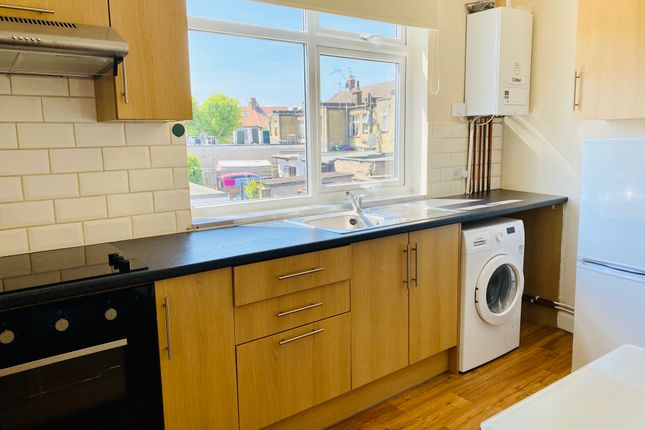 Maisonette to rent in Tottenhall Road, London