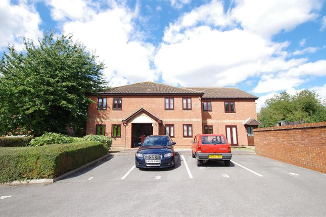 Thumbnail Flat to rent in The Maltings, Royal Wootton Bassett, Swindon