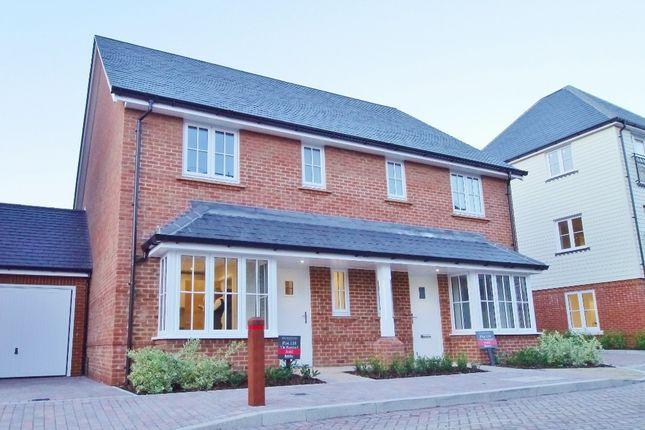 Thumbnail Semi-detached house to rent in Longhurst Avenue, Highwood, Horsham