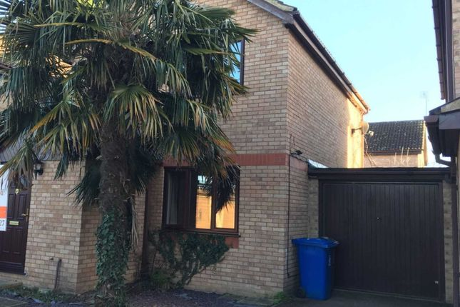 Thumbnail Semi-detached house to rent in Holmlea Walk, Datchet, Slough