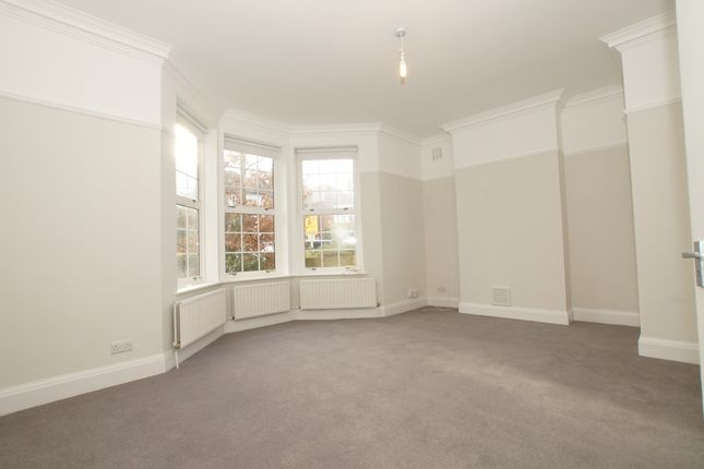 2 bed flat to rent in Frewin Road, Wandsworth Common