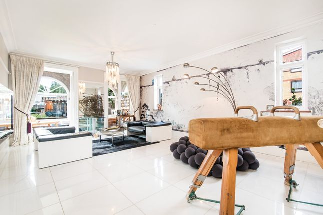 Thumbnail End terrace house to rent in Chatsworth Road, Mapesbury, London