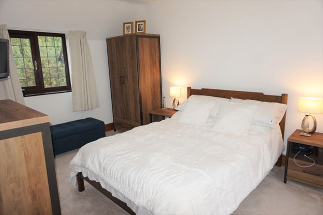 Bedroom 1 of Overslade Lane, Rugby CV22