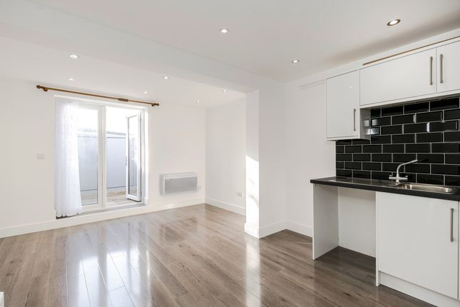 Thumbnail Property to rent in Cambridge Road, Kingston Upon Thames