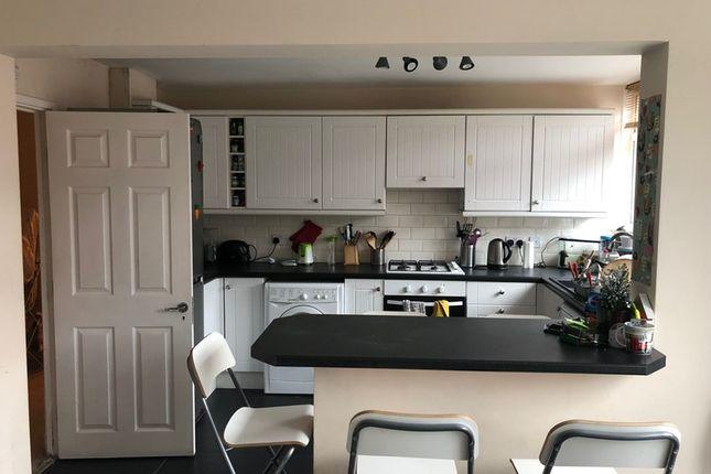 Shared accommodation to rent in Murfett Close, Wimbledon