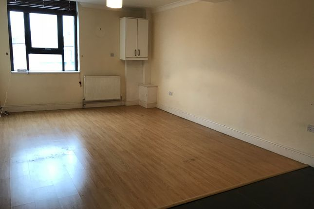 Thumbnail Flat to rent in Rushey Green, Catford