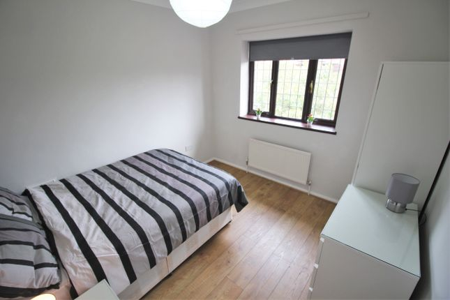 Room to rent in Fordmill, London