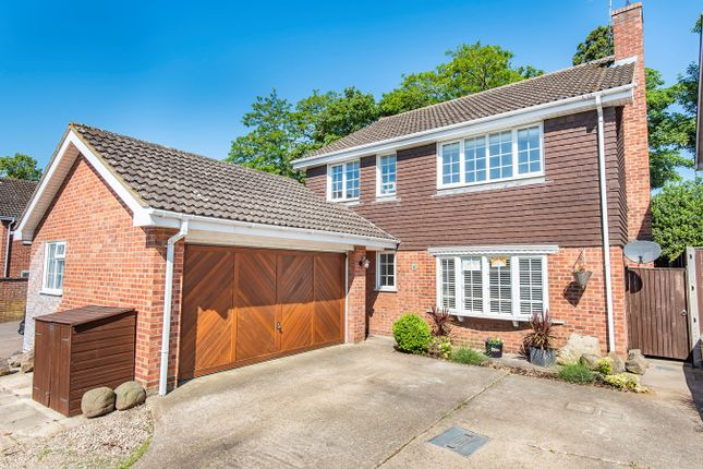 Thumbnail Detached house for sale in Highlands, Flitwick