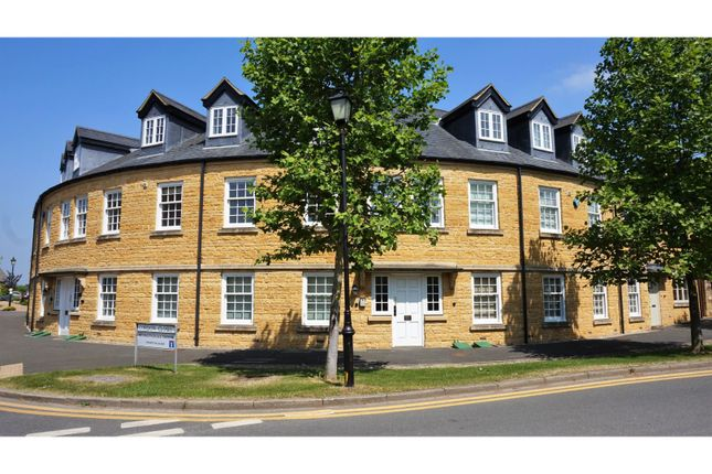 Thumbnail Flat for sale in Gordon Close, Broadway