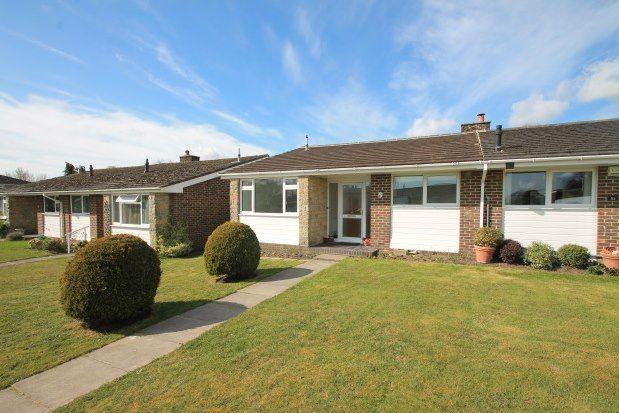 2 bed bungalow to rent in Heathfield Park, Midhurst GU29