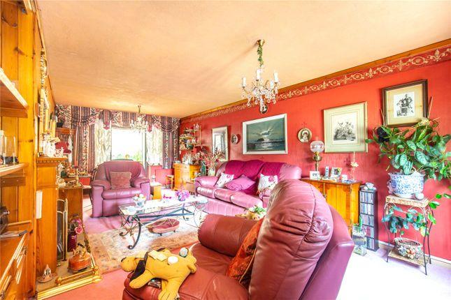 Picture No. 15 of Homestead Way, New Addington, Croydon, Surrey CR0