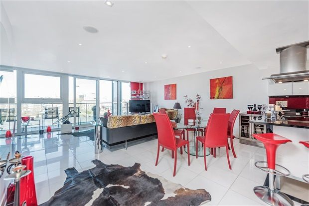 Thumbnail Property for sale in Three Bedroom. Chelsea Bridge Wharf