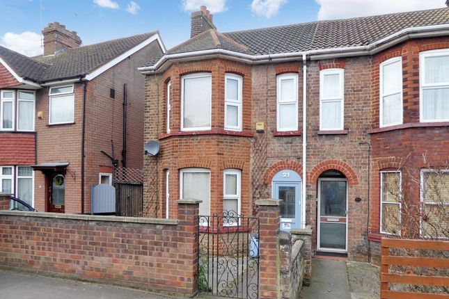 Thumbnail Property to rent in Houghton Road, Houghton Regis, Dunstable