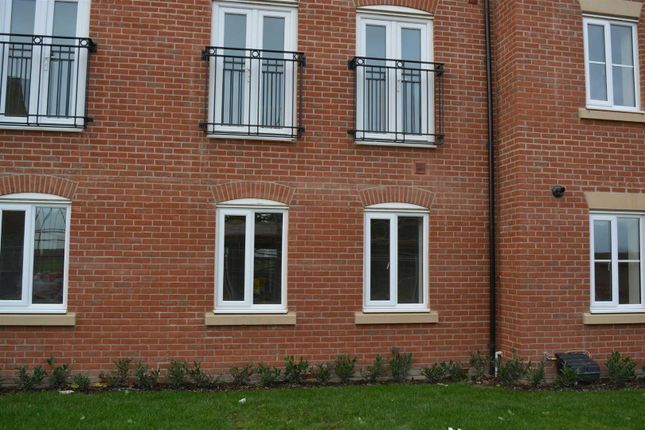 2 bed flat to rent in Holme Place, Elston Avenue, Selby YO8
