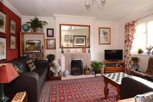 2 bed flat for sale in Sompting Avenue, Worthing, West Sussex