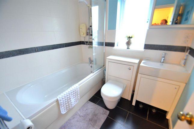 Bathroom of Vyse Drive, Long Eaton, Nottingham NG10