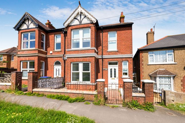 Thumbnail Town house for sale in Brighton Road, Newhaven
