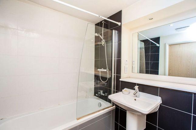 Bathroom of Devonport Street, London E1