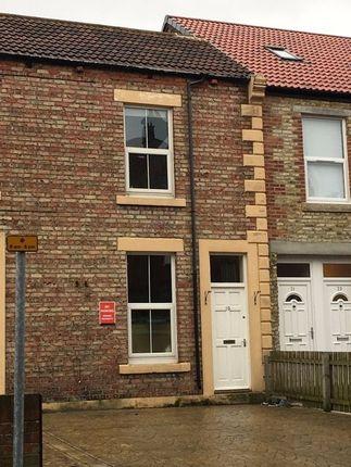 Thumbnail Flat to rent in Bondicar Terrace, Blyth