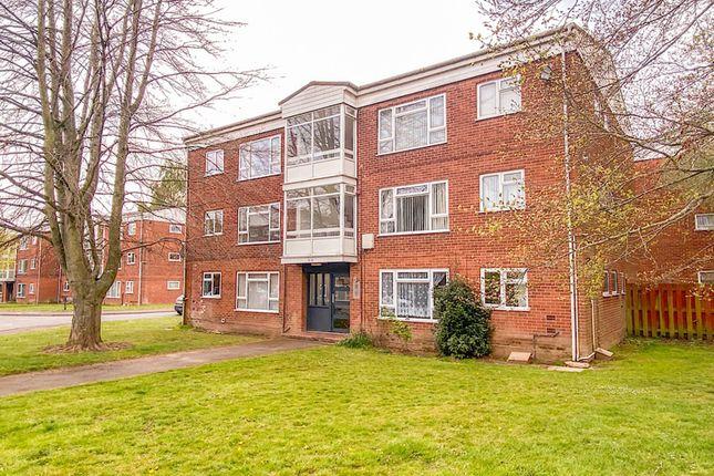 Thumbnail Flat for sale in Harmar Close, Warwick