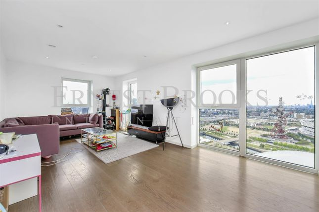Thumbnail Flat to rent in Cassia Point, Glasshouse Gardens, Stratford