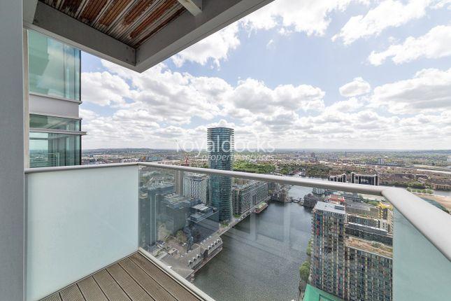 Balcony2 of Pan Peninsula Square, London E14
