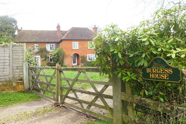 Thumbnail Detached house for sale in Heckfield, Hook