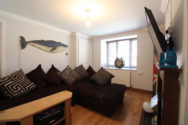 Living Room of Rydale Court, Hull HU5