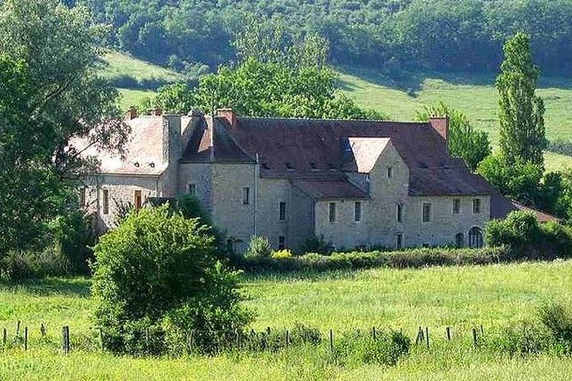 Thumbnail Property for sale in Bourgogne, Côte-D'or, Pouilly En Auxois