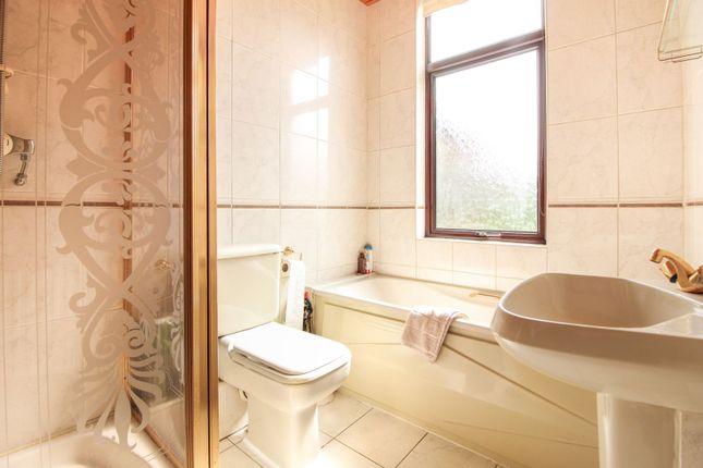 Bathroom of Eltringham Gardens, Edinburgh EH14