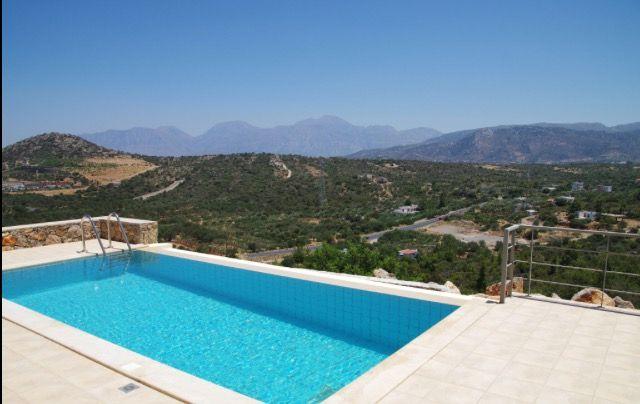 Villa Poppy Infinity Pool & View