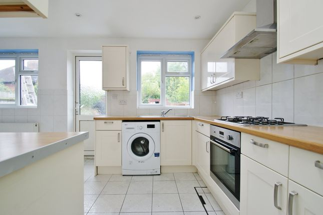 4 bed terraced house for sale in Wulfstan Street, London