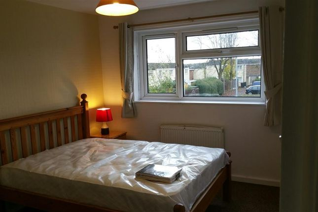 Thumbnail Property to rent in Ombersley Close, Redditch