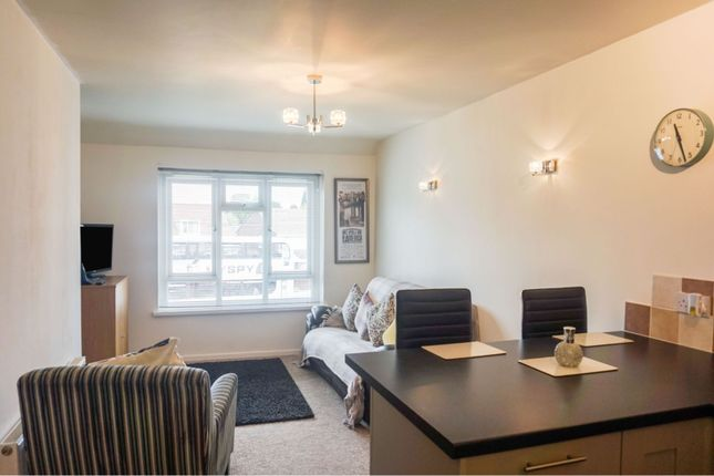 Lounge of Sandythorpe, Coventry CV3