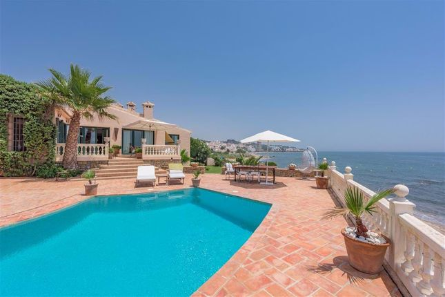 Villa for sale in Calahonda, Mijas Costa, Malaga Mijas Costa