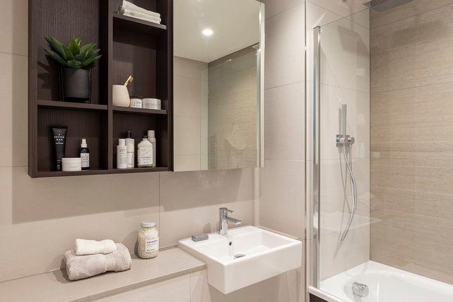 Ensuite Bathroom of Moulding Lane, Deptford, London SE14