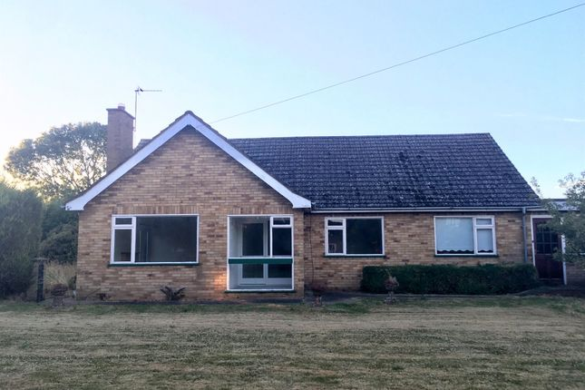 Thumbnail Detached bungalow to rent in Mays Lane, Saxilby, Lincoln