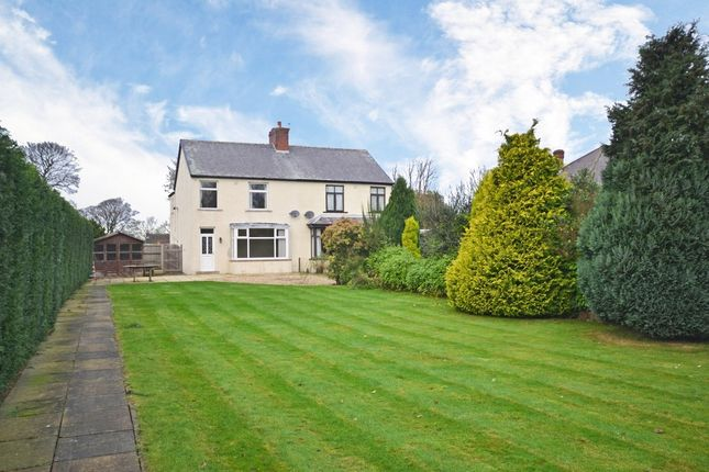 3 bed semi-detached house for sale in Old Road, Overton, Wakefield