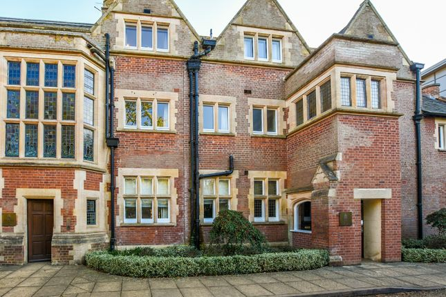 3 bed flat for sale in Knighton Hayes Hall, Stoneygate, Leicester LE2