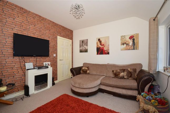1 bed flat for sale in Coulsdon Road, Caterham, Surrey