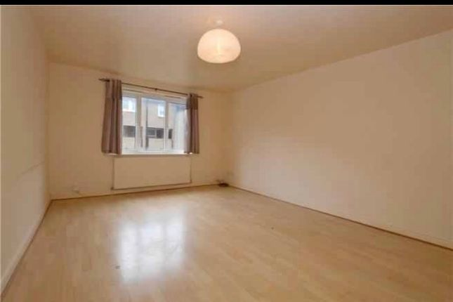 Thumbnail Flat to rent in Claremont Grove, Pudsey