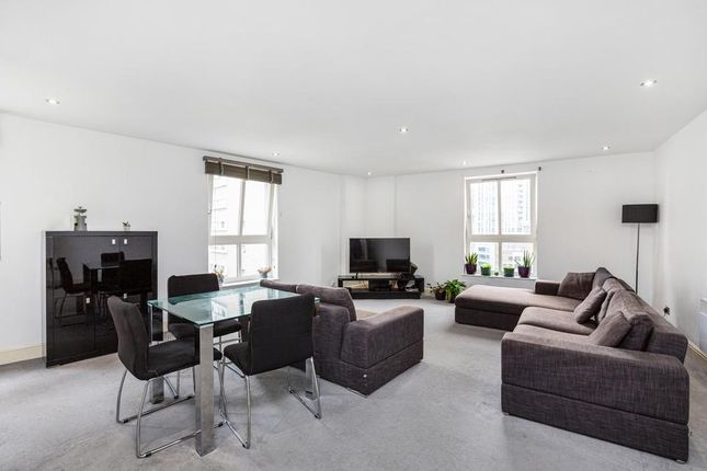 2 bed flat for sale in Commercial Road, London E1