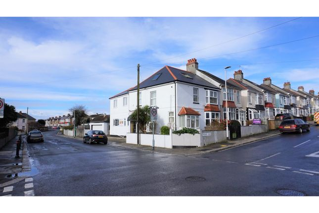 Thumbnail Town house for sale in Fircroft Road, Plymouth
