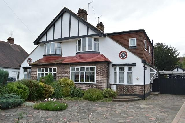 5 bed semi-detached house for sale in Park Avenue, Orpington, Kent