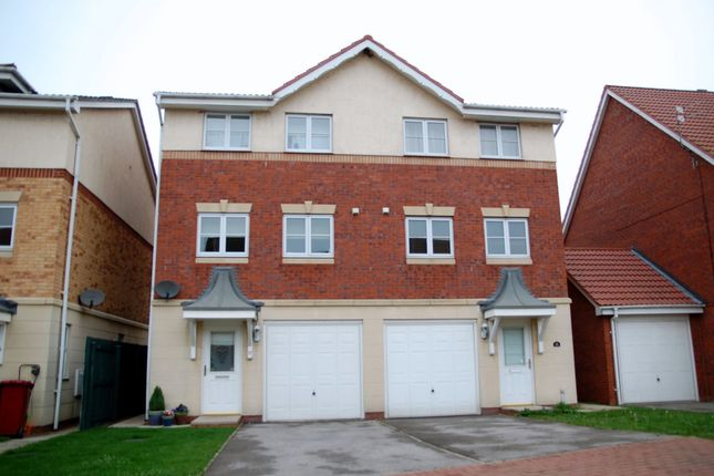 Thumbnail Semi-detached house to rent in Kingfisher Close, Scawby Brook, Brigg