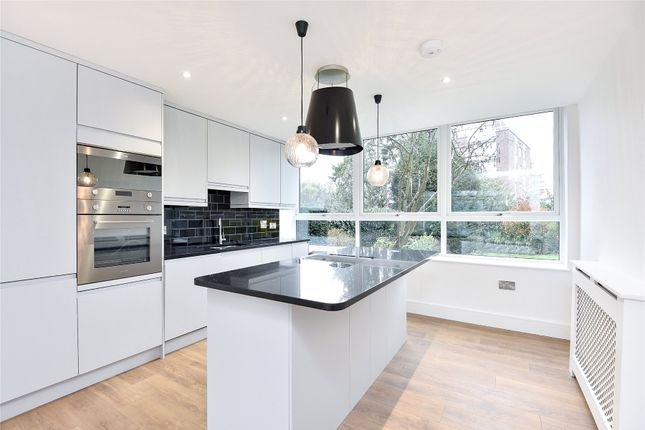 Thumbnail Flat for sale in Lincoln Lodge, Court Downs Road, Beckenham