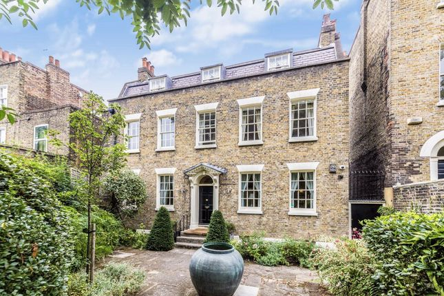 Thumbnail Detached house to rent in Wincott Parade, Kennington Road, London