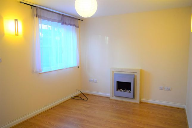 Terraced house to rent in Swallow Close, Wellingborough